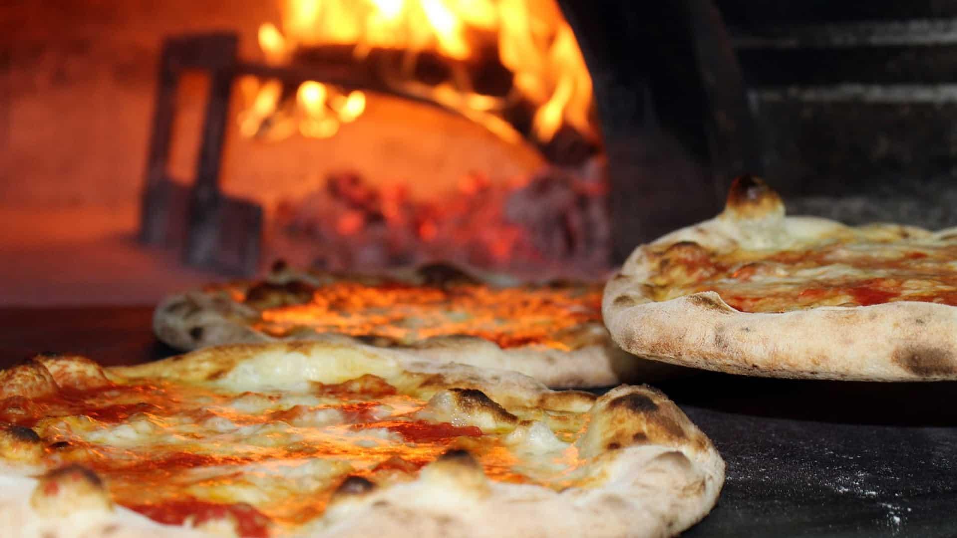 comment bien choisir son four pizza en bois blog de. Black Bedroom Furniture Sets. Home Design Ideas